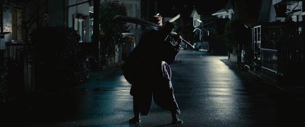 福士蒼汰、高校生から死神に 『BLEACH』特報で戦闘シーン公開