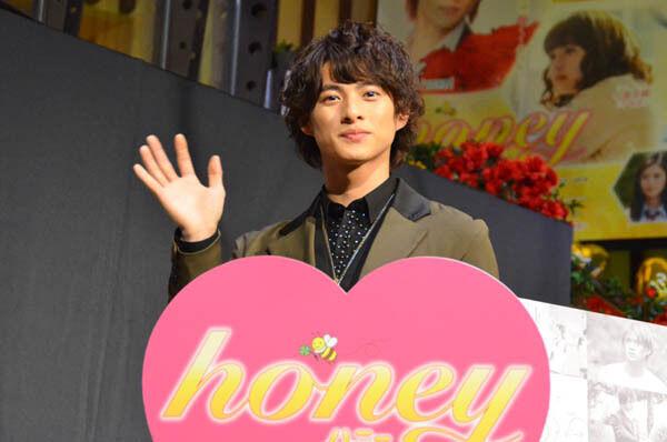 平野紫耀、初主演映画をファンがお祝い! メンバーの感想も
