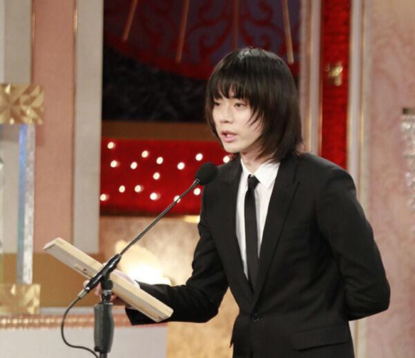 菅田将暉、同世代の野心『帝一の國』で話題賞 「みんなで飲みたい」