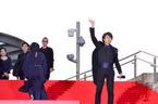 櫻井翔、新名所のレッドカーペットで「外タレ気分」ファンに気配りも