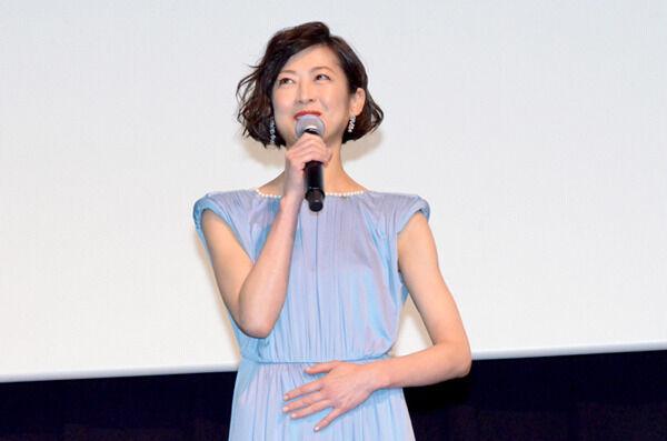 馬渕英里何、自己紹介で「お漏らし女優」 観客衝撃のシーンに笑顔