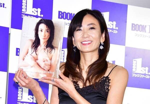中島史恵、50歳を目前に最新写真集「殻は破った感じ!」とセクシーアピール