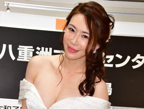 """""""大人グラドル""""岩本和子「エロい私を抱いて!」と初写真集をアピール"""