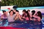 流れ星、初の七夕仕事で大暴走! 水着美女100人のナイトプールにダイブ