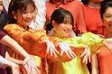 篠原涼子、広瀬すずと手つなぎで登場! 同じ役演じ「整形したかった」