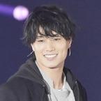 鈴木伸之、さわやか笑顔でランウェイ「モデル業もチャレンジしたい」