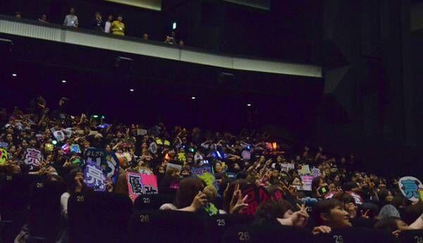 映画館で観客が「アカデミー賞あげて〜!!」ガチ応援! 『銀魂2』応援上映
