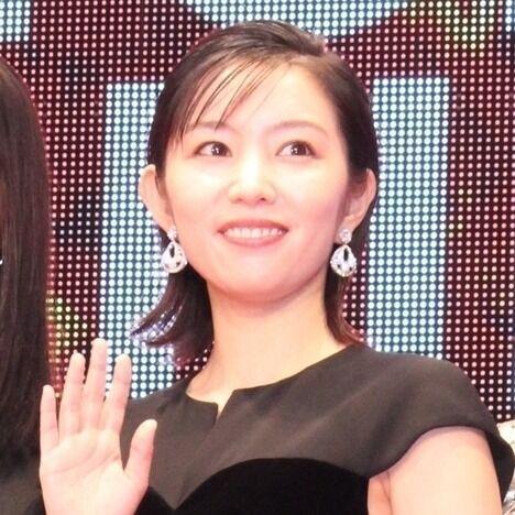 徳永えり、黒のロングドレスで大人の色気 主演女優として映画祭登場