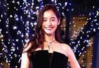新木優子、1億円のジュエリーと艶やかドレスを身につけ緊張