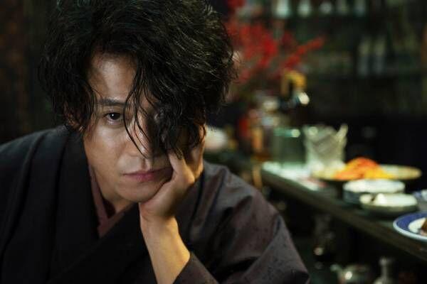 小栗旬×蜷川実花監督、初タッグで『人間失格』 太宰治本人を描く