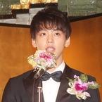 竹内涼真、橋田壽賀子から「素敵な坊や」- 初対面でさわやかに自己紹介
