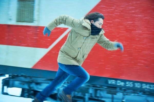 登坂広臣、東京&フィンランドで疾走! 雪の中を懸命に走り続ける