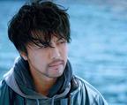 EXILE・TAKAHIRO、映画単独初主演で無精髭姿に! 松坂慶子が母親役