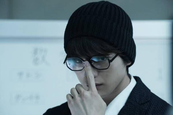 瞳が輝きすぎる俳優・新田真剣佑の存在感…全てを受け止める演技力