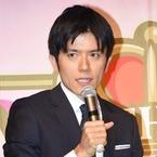 青木源太アナ、嵐会見での涙など批判され謝罪「申し訳ありませんでした」