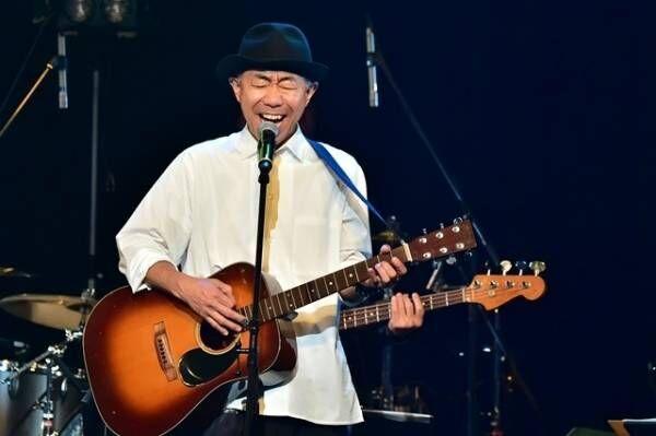 木梨憲武、とんねるずライブ予告 - 妻・安田成美へのラブソングも披露