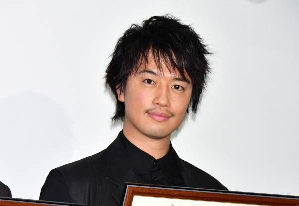 斎藤工、『麻雀放浪記2020』のふんどし姿で受賞「フンドシの表示に注目を」
