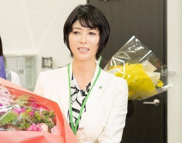 真木よう子、『よつば銀行』撮影オールアップで「ぜひ続編も」