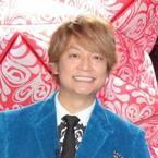 香取慎吾が国内初個展! 草なぎに会見を見られ「プロデュースされてる気分」
