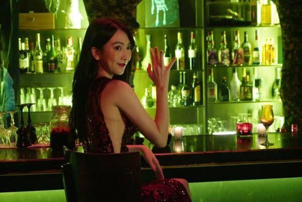 知英、肌見せドレスで怪しい色気 『東京喰種2』イトリ役で出演