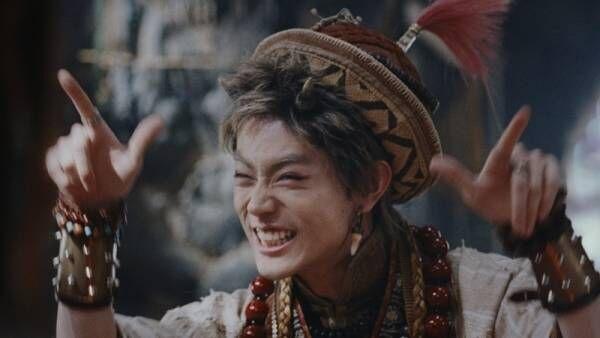 """菅田将暉""""鬼ちゃん""""がおしゃれに変身!?「帽子がおしゃれポイントっす」"""