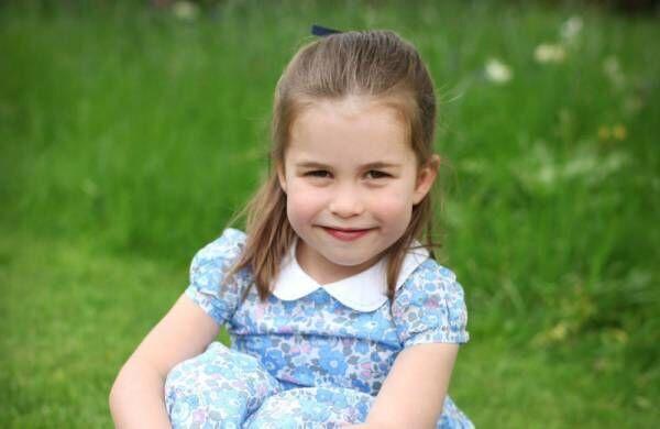 英シャーロット王女が4歳に! 誕生日を記念して新写真公開