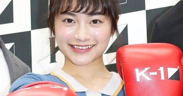 日本一かわいい女子高生・福田愛依、ミニスカ&初グローブで決めポーズ