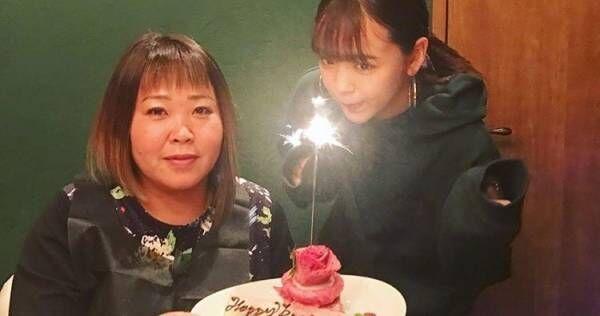 藤田ニコルの母、朝5時に『ANN』終わりのテレ東佐久間Pを出待ち