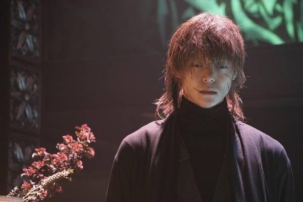 窪田正孝、傷だらけの顔に溢れすぎる色気…『Diner』殺し屋カット