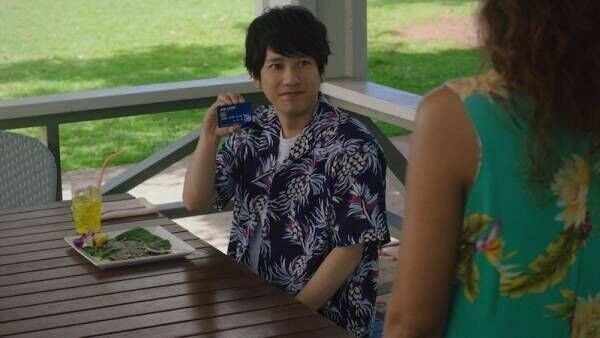 二宮和也、JCBのCM10周年! カードを使い「嵐5人でトロリーに乗りたい」