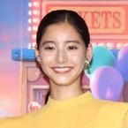 新木優子、黄色のワンピで人形になりきり!?『トイ・ストーリー』参加に感激