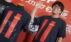 『キャプ翼』高橋陽一氏、イニエスタ伝説ゴールTシャツに翼くんを描く
