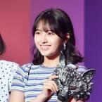 元AKB48大和田南那、ミニスカ衣装でランウェイ