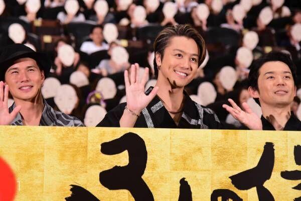 TAKAHIRO、浴衣姿に歓声! 撮影時のちょんまげ肉体美に市原隼人も喜ぶ