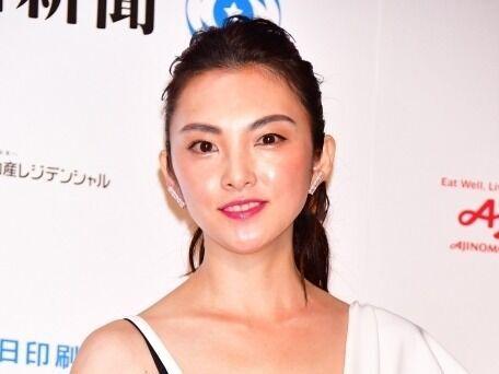 田中麗奈、第1子妊娠7カ月を報告「とても愛おしく感じています」