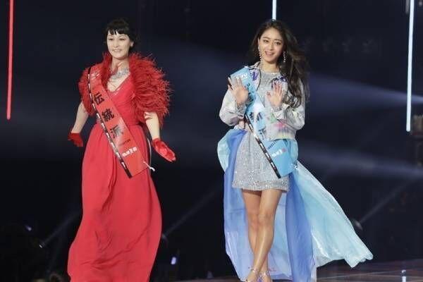 池田美優、健康美脚あらわなミニ丈ドレスで魅了