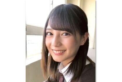 日向坂46小坂菜緒、制服姿で「好きです」 告白動画にファン興奮