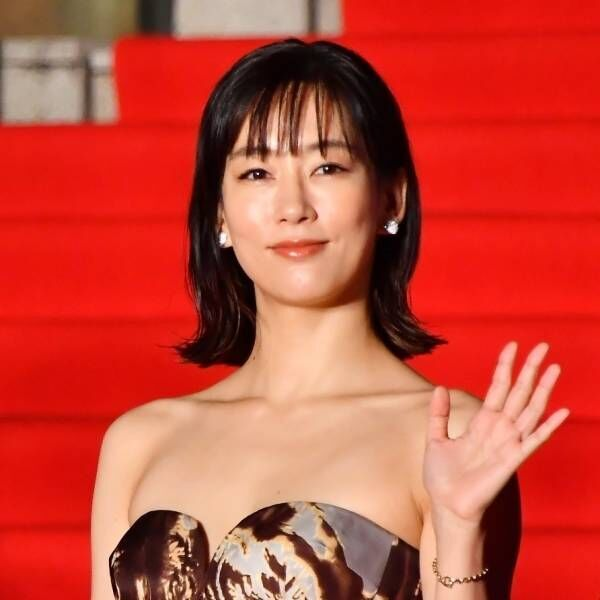 水川あさみ、結婚後初の公の場 観客から「おめでとう」と祝福の声