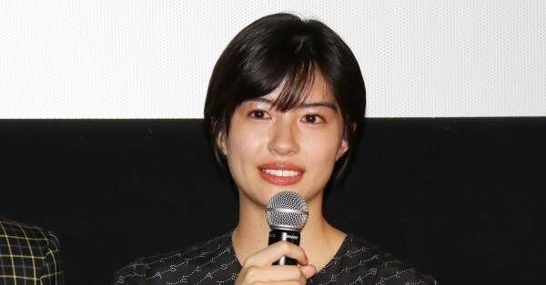 佐久間由衣、初主演映画『隠れビッチ』お披露目に感極まる「形になってうれしい」