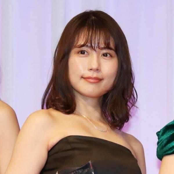 【動画】有村架純、デコルテあらわなドレスで魅了!「かわいい」の声相次ぐ