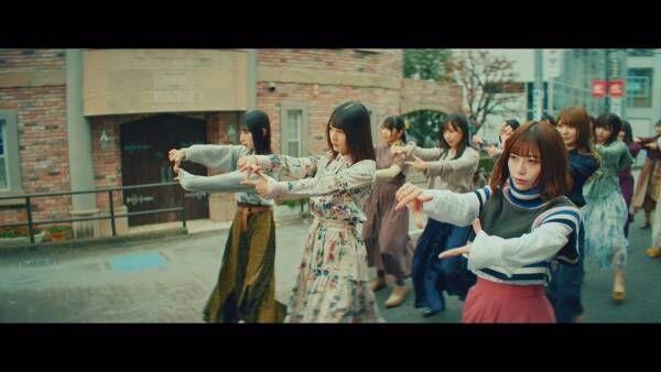 """日向坂46が""""チョキチョキダンス""""!  新曲「ソンナコトナイヨ」MV公開"""