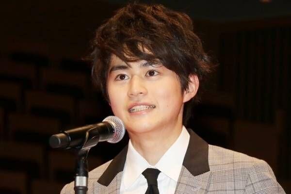 鈴鹿央士、広瀬すずとの初対面時の衝撃告白「宇宙人みたいな感じでした」