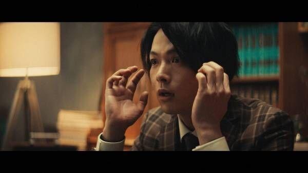 中村倫也、気分屋の探偵に「演劇かっていうくらいのテンションで…」