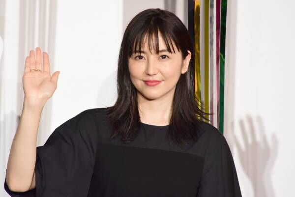 長澤まさみ、『コンフィデンスマンJP 英雄編』発表! サプライズにキャスト陣驚き