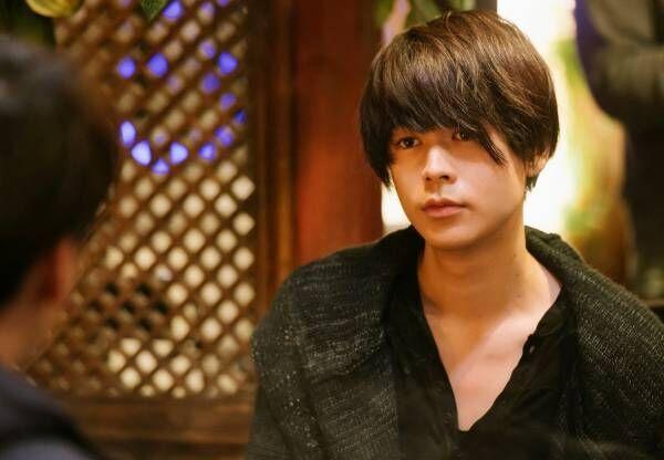 成田凌、役作りの減量で鎖骨のラインも綺麗に 大倉忠義「本当に可愛い」