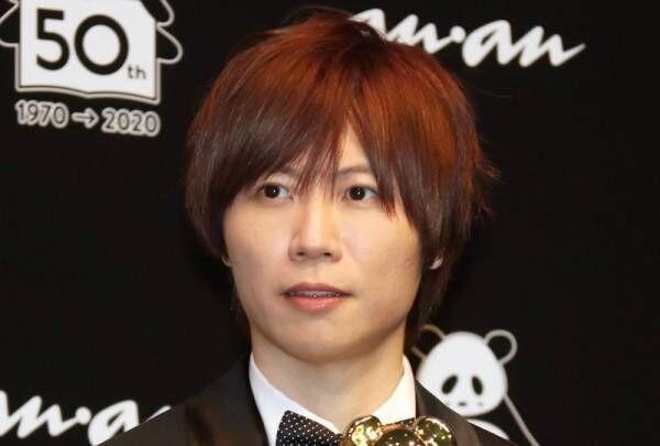 前田裕二社長、フォーマル衣装で授賞式に登場「フレッシュな気持ちです」