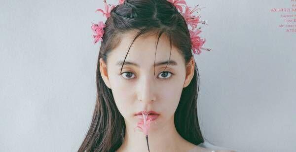 新木優子、カレンダー発売決定 「12種類の花」テーマに美貌放つ
