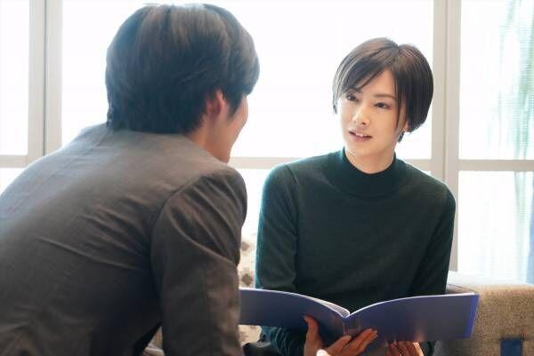 北川景子、カウンセリングで真摯に相手と向き合う姿…勉強して臨んだ公認心理師役