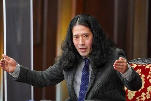 又吉直樹、綾部祐二が発したコンビ結成時の発言に「伝説は始まらなかった」