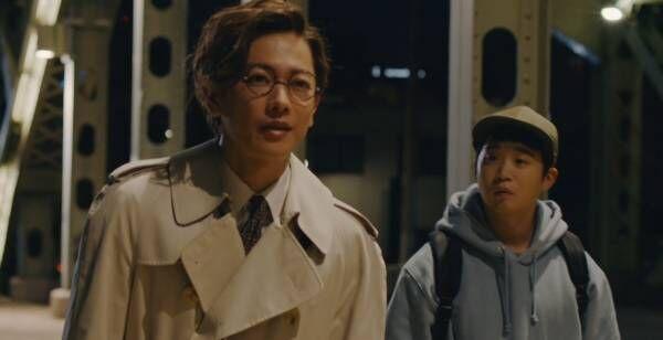 佐藤健、眼鏡で130歳役に 3年ぶり共演の矢本悠馬「変わらずかっこいい」